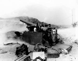 "Photograph of U.S. 203mm (8"") gun"
