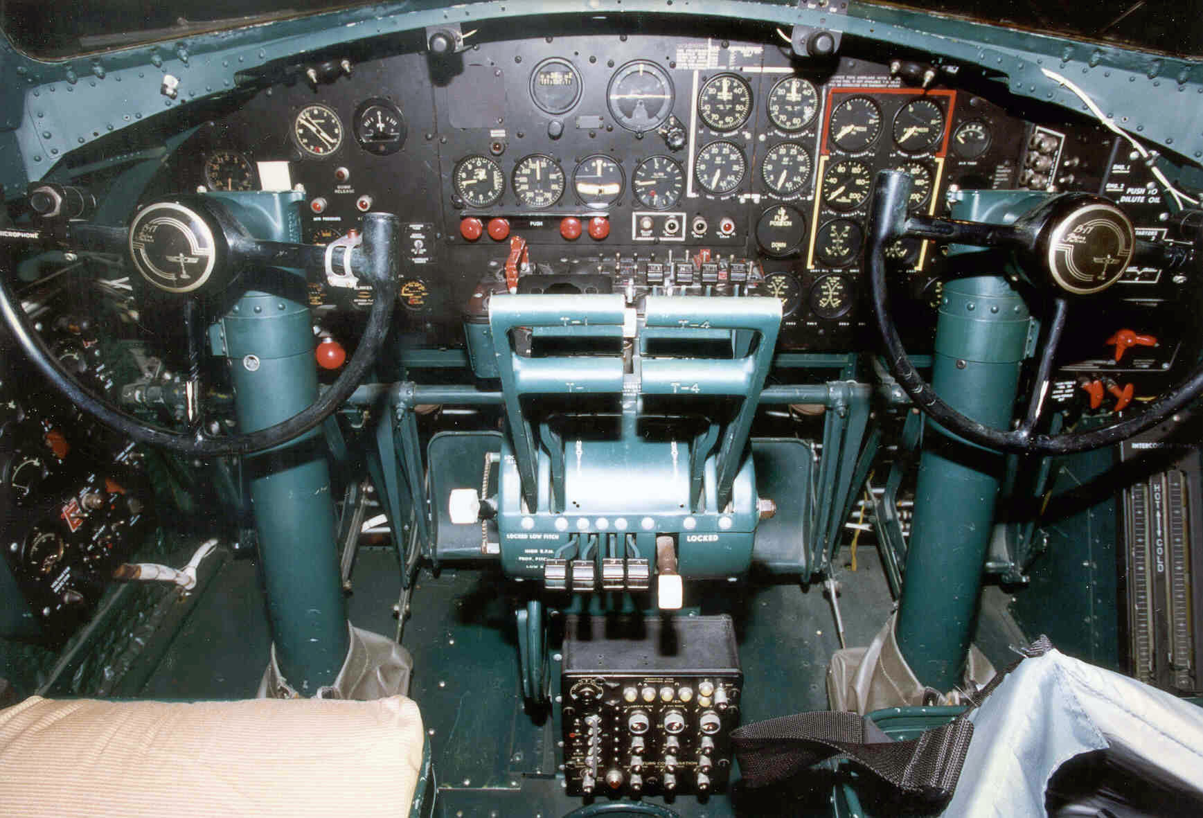 the pacific war online encyclopedia b 17 flying fortress cockpit of b 17