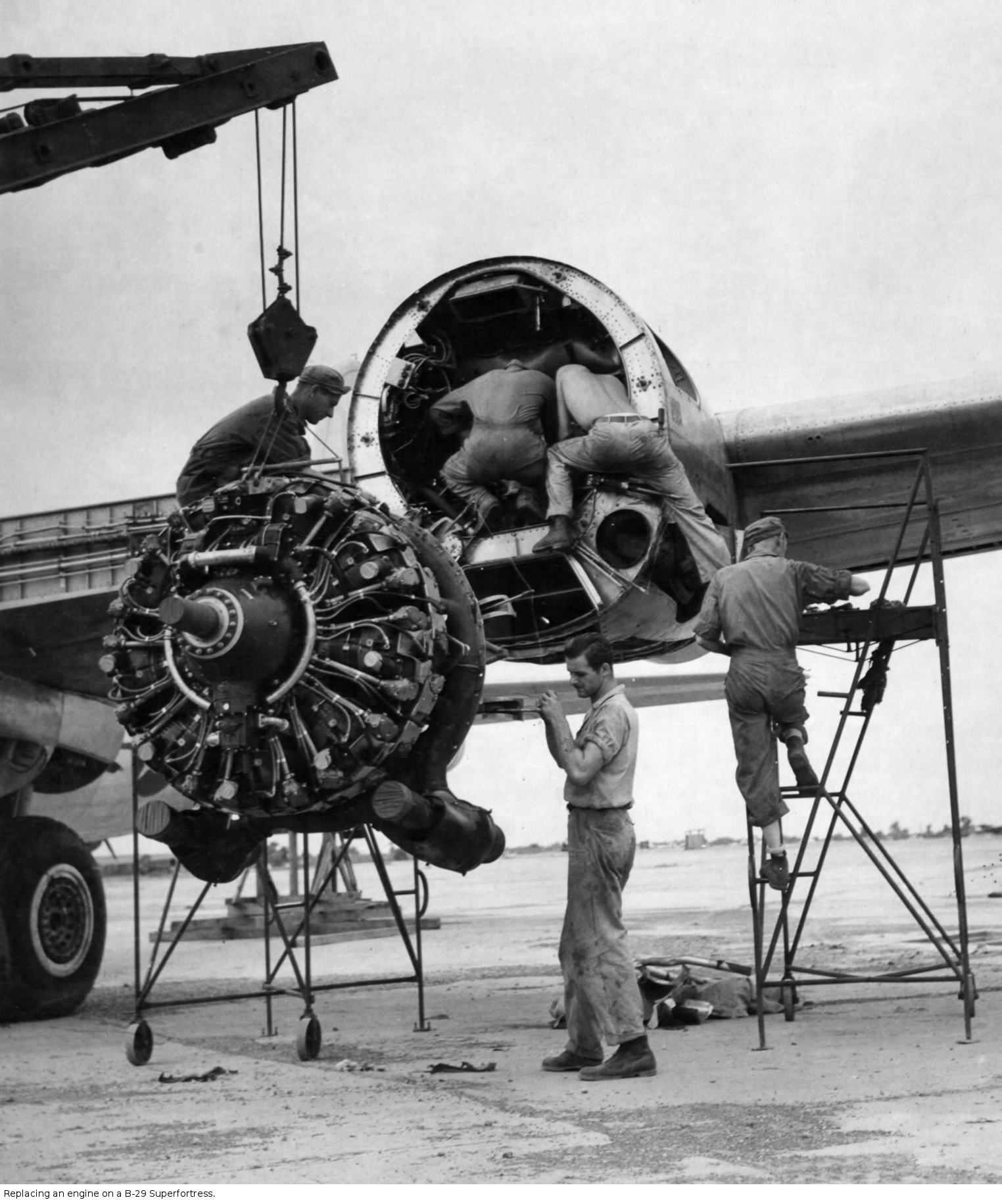 Replacing an engine on a B-29