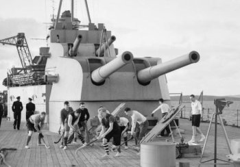 "Photograph of 8""/50 guns on HMS Kent"