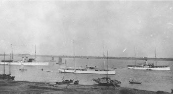 Photograph of Hangchow waterfront in the 1920s
