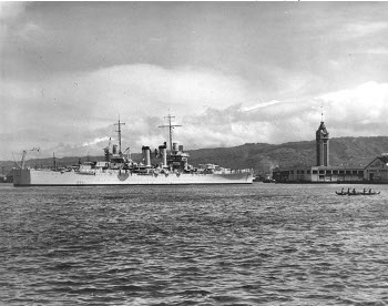 Photograph of USS Honolulu at Honolulu Harbor