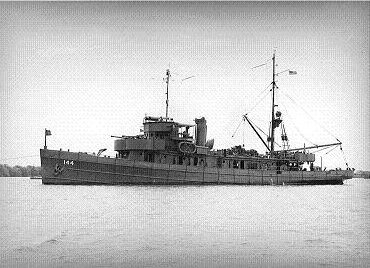 Photograph of USS Vireo, a Lapwing-class minesweeper