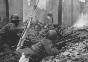 Photograph of Japanese troops in street fighting in Nanchang