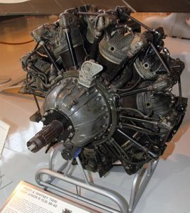 Photograph of R-1535 Twin Wasp Junior engine