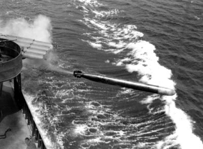 Photograph of Mark 15 torpedo being launched from         destroyer